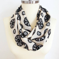 Mothers day gift Heart Scarf Infinity Scarf Valentines Gift For Her For Women For Wife Beige White Black Scarf Gift idea Fashion Scarf Women
