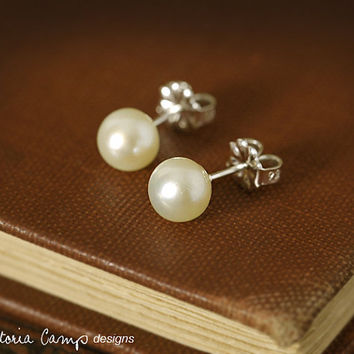 Classic White Pearl Earring, Freshwater Pearl, Sterling Silver Posts, Studs, Wedding Earrings, Bridal Jewelry - Ready to Ship