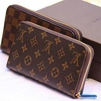 Louis Vuitton LV Long Wallet Fashionable Men and Women Clutches Change Key Case Wallets