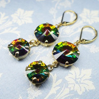 Green Swarovski earrings, gold plated earrings with lever back and sparkly Swarovski stone, classic and simple earrings, Swarovski ear drops