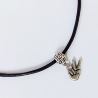 Peace sign finger charm choker adjustable necklace