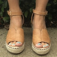 Boardwalk Date Wedges- Tan