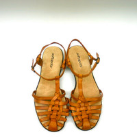 90s brown leather sandals / flats mexican huaraches / strappy woven shoes women's 8.5 / hippie hipster boho grunge