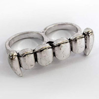 "Double finger ""Vampire Ring"" (size 6/7)"