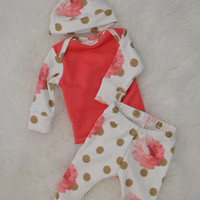Newborn girl outfit, newborn coming home outfit, baby outfit, baby girl outfit