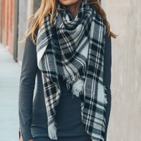 Falling Leaves Scarf - Black