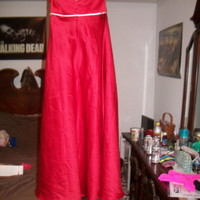 Alfred Angelos strappless dress red