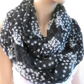 Star Print Scarf Black and White | LaLaMooD Gift Accessories