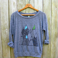 wild and free Mountain Shirt, Hiking Shirt, Camping Pullover, Yoga Top, S,M,L,XL