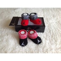 """Amazon.com: Nike Jordan Infant New Born Baby 0-6 Months Pink and Black/Pink with """"Jump Man"""" Sign New: Baby"""