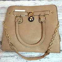 READY TO GO HANDBAG IN TAN