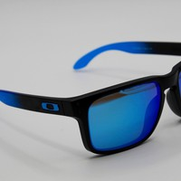 Tagre Oakley OO9102-D255 - HOLBROOK PRIZM POLARIZED SAPPHIRE FADE COLLECTION