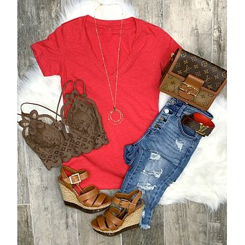 BASIC SHORT SLEEVE DEEP V-NECK TEE - RED