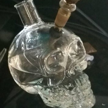 Crystal Skull water pipe