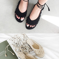 Leaf-Detailed Strap Lace-Up Sandals
