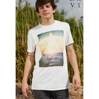 United XXVI Guys Sunrise Longer Length Graphic T