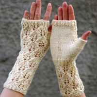 Romantic white Lace arm warmers, lace wool fingerless gloves , lacy wrist warmers, fingerless mittens, knitted arm warmers, bridal gloves
