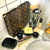 LV Fashion Makeup Bags Handbag Men's Business Bag Louis Vuitton Classic Clutch Bag I/A