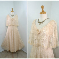 60s Dress Blash Peach Chantilly Lace Accordion Pleated Cape Vintage Wedding Ball gown S
