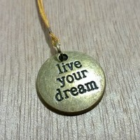 Bronze Charm -Live your Dream from Pelhuaz by Red