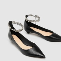 BALLERINAS WITH CHAIN ANKLE STRAP DETAIL DETAILS