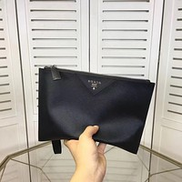 PRADA MEN NEW STYLE LEATHER ZIPPER HAND BAG