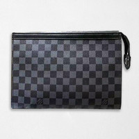 Louis Vuitton Fashion Casual Woman Men Envelope Clutch Bag Leather File Bag Tote Handbag Black