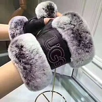 "Tiktoki1 Hot Sale ""UGG"" Newest Winter Popular Women Men Fur Leather Warm Gloves"