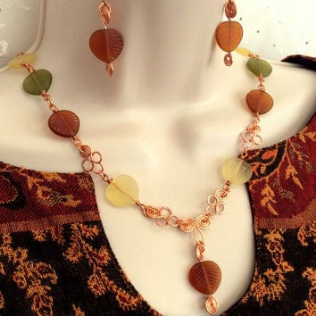 Copper Necklace with Autumn color Leaves, Gift for her, Leaf necklace, Women's Jewelry, Copper Jewelry, Free Shipping Use Code: FREESHIP