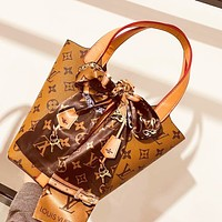 LV Louis Vuitton vintage embroidered canvas print ladies messenger bag shoulder bag