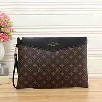 Louis Vuitton LV classic letter printing office business casual briefcase cosmetic bag men and women fashion clutch bag