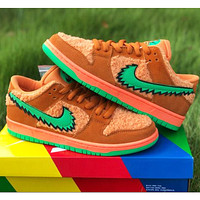 NIKE SB DUNK LOW PRO QS hot sale couple velvet low-top sneakers Shoes Orange