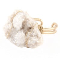 Wired natural stone cuff ring. One size. Gold-White