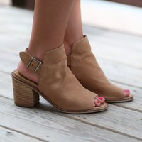SZ 6.5 Chinese Laundry Caleb Natural Suede Ankle Booties