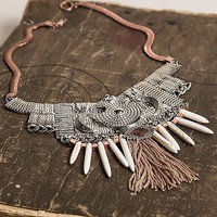 Gimmicks Snake Chain Necklace