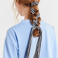 Braid-In Ponytail Holder | Urban Outfitters