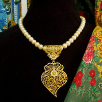 Portugal Viana Heart gold filigree necklace Pearls Portuguese folk jewelry heart pendant