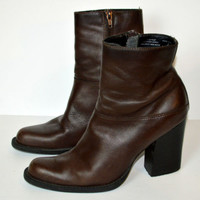 """9&Co Size 7 Short Boots Brown Leather 3.5"""" Heels Womens Shoes"""