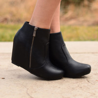 Full Stride Ankle Booties - Black