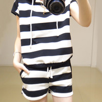 Striped short-sleeved track suit pants