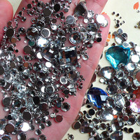 Rhinestones Mix (2mm 3mm 4mm 5mm 6mm 10mm) Clear Round and Heart Faceted Rhinestones Cabochons Mix (Over 1000 pcs) RHM009