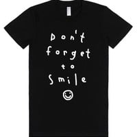 Don't Forget To Smile-Female Black T-Shirt