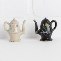 Vintage Cast Iron Teapot Salt and Pepper Shakers with Corks and Chippy Paint, Cottage Chic