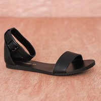 Breckelles Flattery And Fashion Open Toe Ankle Strap Flat  Sandals Joy-23 - Black