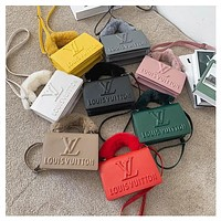 Louis Vuitton New Fashion Trendy Small Fragrance Textured Women's Bag All-match Shoulder Messenger Bag Small Square Bag