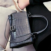 Balenciaga new high-end retro crocodile pattern women's handbag shoulder bag crossbody bag