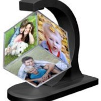 Magnetically Suspended Floating Photo Cube.