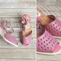 1970s Deadstock Sandals - Vintage 70s Pink Perforated Leather Stars Wedge Sandals - Thousands of Stars Sandals