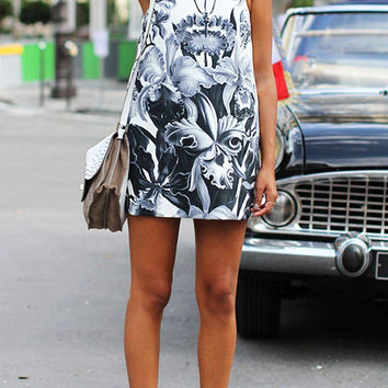White Sleeveless Dress in Floral Print