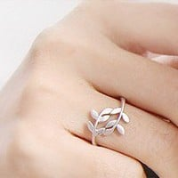 Elegant Leaf Ring at Online Cheap Fashion Jewelry Store Gofavor